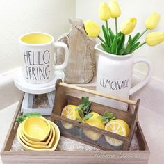 20 ideas room decor diy spring sweets for 2019 Country Farmhouse Decor, Farmhouse Kitchen Decor, Kitchen Dining, Dining Room, Lemon Kitchen Decor, Lemon Party, Spring Home Decor, Tray Decor, Mellow Yellow