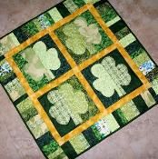 Shamrocks St. Patrick's Day Quilt - via @Craftsy