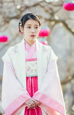 """-""""I don't understand how you could have changed like this.""""😭😭😭""""Moon Lovers Scarlet Heart Ryeo"""" Korean drama 2016 lovely moments 🔥⭐️🤤💋🥰🎭😋💫👑🧸🙆🏼♀️🎥🎬 (c) from SBS CO KR thx😊 \^o^/ Korean Traditional, Traditional Fashion, Traditional Dresses, Korean Hanbok, Korean Dress, Iu Moon Lovers, Scarlet Heart Ryeo, Korean Art, Bffs"""