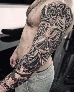 Amazing artist Jun Cha juncha awesome angels and Jesus renaissance sculpture tattoo sleeve giorgioarmani gqstyle gq art nike Juncha Tattoo, Tattoo Arm Mann, Cover Tattoo, Body Art Tattoos, Religious Tattoos For Men, Religious Tattoo Sleeves, Biblical Tattoos, Statue Tattoo, Sculpture Tattoo