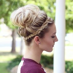 awesome crown braid and messy bun <3