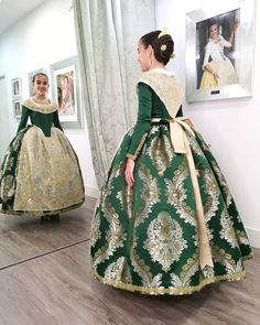 Traditional Fashion, Traditional Outfits, Princess Costumes, Folk Costume, Historical Clothing, Dress Patterns, Ball Gowns, Victorian, Glamour