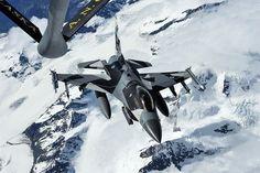 18th Aggressor Squadron's F-16C sporting a new blizzard splinter camouflage over Alaska. [888x591] : MilitaryPorn