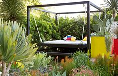 outdoor bed/swing
