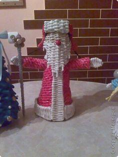 Мастер-класс Новый год Плетение Дед Мороз в шапке Печкина Бумага газетная фото 1