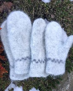 Ekte sjøvotter (Norwegian Fishermans mittens) pattern by Eva Skulbru Eriksen Knitting Patterns Free, Free Knitting, Crochet Patterns, Knit Mittens, New Hobbies, Knit Crochet, Diy And Crafts, Crafty, Wool