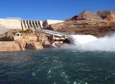 Baraj yapımından öncesinde gerçekleştirilen pek çok çalışma, baraj hazırlık ve tesislerin kurulum maliyetleri, bu santraller adına en büyük dezavantajlardan biridir. Yani, santral ve barajın yatırım maliyeti, oldukça yüksektir. Üstelik, yapılan onlarca çalışmanın sonucunda, santral ya da barajın kurulmama riski de olduğu için, boşa para harcama riski de bulunmaktadır.