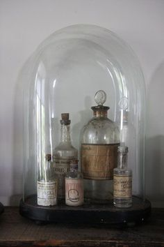 Other small glass bottles also stand out nicely under a glass bell jar. - Other small glass bottles also stand out nicely under a glass bell jar. Apothecary Bottles, Antique Bottles, Vintage Bottles, Bottles And Jars, Antique Glass, Glass Bottles, Vintage Perfume, Perfume Bottles, Mason Jars