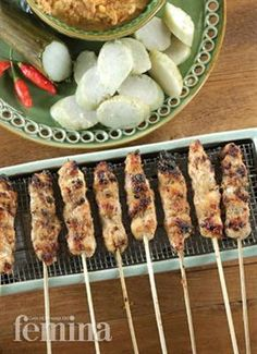 Femina.co.id: Satai Ayam Ponorogo Kabobs, Skewers, Sate Ayam, Skewer Recipes, Indonesian Cuisine, Grilled Meat, Baby Food Recipes, Food And Drink, Yummy Food