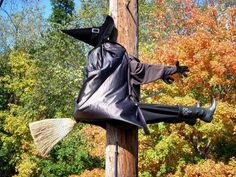Google Image Result for http://images.suite101.com/2459600_com_halloweeny.jpg  I have a telephone pole right in front of my house...I definitely am going to do this....I hope nobody steals it