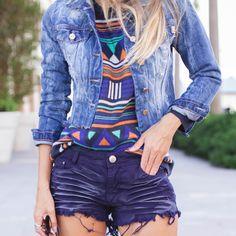 Jaqueta jeans é sempre ótima para deixar o look despojado e quentinho, ótima para compor looks de inverno