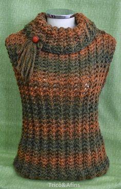 Os coletes são peças bem legais de serem usadas no outono. Esquentam na medida do necessário. Se esfriar mais é só colocar uma jaqueta ou c...