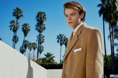 British GQ Style pays tribute to George Michael with its spring-summer 2017 issue. The magazine enlists Jordan Barrett to play Michael for a cover shoot by… Long Island, Charlie Heaton, Jordan Barrett, Jonathan Byers, Netflix, Cast Stranger Things, Its A Mans World, Gq Style, Gq Magazine