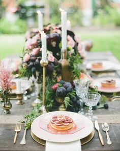 Gold and Blush Wedding Colors. Blush and Gold Wedding Palette. Fig and purple wedding decor and colors. Lush and Romantic Wedding palette colors. Candle Wedding Centerpieces, Wedding Decorations, Table Decorations, French Wedding Style, Geometric Wedding, Gold Wedding, Wedding Reception, Fruit Wedding, Wedding Tables