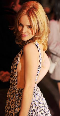 Pin for Later: 33 Times You Felt Really, Really Jealous of Rachel McAdams When She Resembled Brigitte Bardot and You Did a Double Take Amanda Seyfried, Cara Delevingne, Rachel Mcadams Hot, Long Shag Hairstyles, Mtv, Beauté Blonde, Actrices Hollywood, Canadian Actresses, Double Take