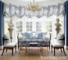 New Home in Navy and Indigo - This home's bold blue-and-white patterns bring the drama! – Traditional Home® / Photo: Werner - Indigo, Traditional Home Magazine, Chinoiserie Chic, White Rooms, Blue Rooms, Blue Walls, Decorating Small Spaces, Decorating Ideas, Decor Ideas