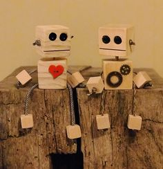 How To wooden blocks + random items = block heads Wood Block Crafts, Diy Wood Projects, Projects For Kids, Diy For Kids, Wood Crafts, Crafts For Kids, Diy Crafts, Wooden Blocks Toys, Wood Toys