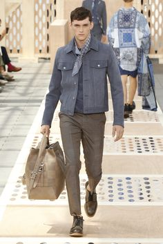 Look 19 from the Louis Vuitton Men's Spring/Summer 2014 Fashion Show. ©Louis Vuitton / Ludwig Bonnet