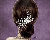 Artículos similares a Perla nupcial peine, peine del pelo de la boda, Rhinestone blanco marfil Swarovski perlas vid Floral bodas de plata pelo accesorio accesorios para el cabello en Etsy