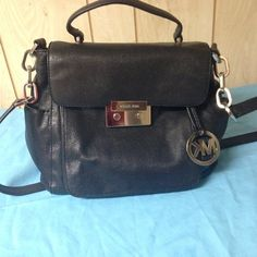 "Michael Kors Black Handbag! Michael Kors black handbag. Metal shows some scratches. No dust bag. Make me an reasonable offer! 10""H x11.5""W x 6""D Michael Kors Bags Crossbody Bags"