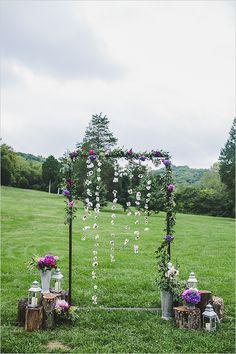 floral wedding arch details @weddingchicks