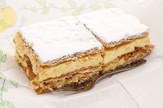 Milhojas de Crema Pastelera Te enseñamos a cocinar recetas fáciles cómo la receta de Milhojas de Crema Pastelera y muchas otras recetas de cocina. Bakery Recipes, My Recipes, Mexican Food Recipes, Sweet Recipes, Köstliche Desserts, Dessert Drinks, Delicious Desserts, Yummy Food, Milhojas Cake