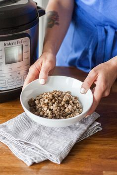 Use less liquid next time * How To Cook Lentils in the Electric Pressure Cooker — Cooking Lessons from The Kitchn Cooking Green Lentils, How To Cook Lentils, Pressure Cooker Recipes, Pressure Cooking, Slow Cooker, Pressure Cooker Lentils, Rice Cooker, Lentils Instant Pot, 12 Recipe