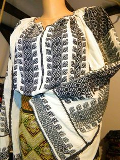 Traditional Art, Sari, Culture, Costumes, Embroidery, Clothes, Tops, Style, Fashion