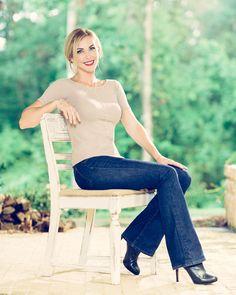 Steven Palowsky Photography www.stevenpalowsky.com  #jessicarobertson #calvaryjewelry Jep And Jessica, Robertson Family, Bell Bottoms, Bell Bottom Jeans, Pants, Photography, Fashion, Trouser Pants, Moda