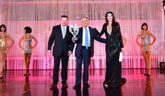 Giacomo Agostini receives on stage the @monacowsla by Giuseppe Folino, Deputy of Italy Embassy in Monaco and our Master of Ceremonies @LorenaBaricalla wearing Gianni Versace Private Collection  Marina Corazziari - Artiste - and @duccioventuri @montecarlosbm @visitmonaco #wsla16 #monaco #giacomoagostini #giuseppefolino #moto #motogp #lorenabaricalla #theoscarsofsport #salleempire #award #montecarlosbm #gala #genesiawallecreatrice #marinacorazziari #duccioventuri #visitmonaco #wsla
