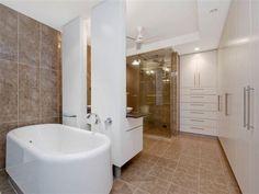 Modern bathroom design with freestanding bath using ceramic - Bathroom Photo 1393300