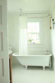 Interesting Craigslist Bathtubs For Your Bathroom Design: Scandinavian  Bathroom With White Tile Wall And White