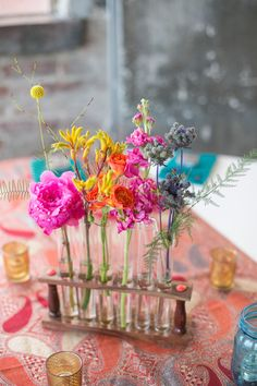 Discover the best ideas for Wedding Reception! Read articles and watch videos about Wedding Reception. Loft Wedding, Wedding Table, Diy Wedding, Wedding Reception, Wedding Flowers, Wedding Ideas, Wedding Inspiration, Wedding Details, Wedding Stuff