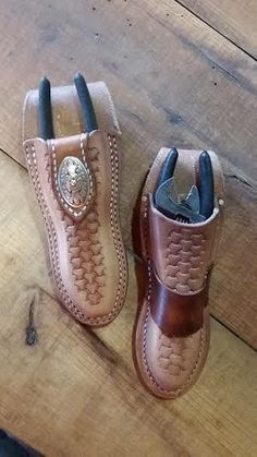 COCAJO BLADES is a fine blades and sheath business, but we do stray once in a while to keep our local farmers happy. Leather Knife Sheath Pattern, Leather Wallet Pattern, Sewing Leather, Leather Tool Pouches, Leather Holster, Leather Tooling, Leather Working Patterns, Leather Workshop, Leather Carving