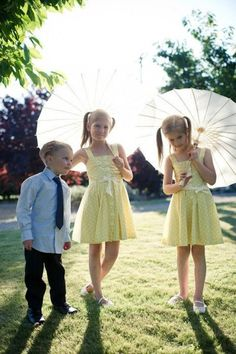 Flower girls with fashionable umbrellas! #wedding #flowergirls