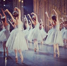 "englishballetandtea: ""ABT Snowflakes in the Nutcracker. Photo by Elina Miettinen(?) "" englishballetandtea: ""ABT Snowflakes in the Nutcracker. Photo by Elina Miettinen(? Tutu Ballet, Ballet Dancers, Ballerinas, Ballet Beautiful, Most Beautiful, Princesa Tutu, La Bayadere, Princess Aesthetic, Baguio"