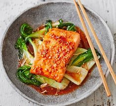 Teriyaki salmon with sesame pak choi makes a quick and simple midweek meal! Sweet chilli, honey, sesame oil, mirin and soy combine to make a punchy sauce for fish, Elaine Paige's dish is a simple and quick midweek meal Bbc Good Food Recipes, Easy Healthy Recipes, Asian Recipes, Healthy Snacks, Cooking Recipes, Yummy Food, Fish Recipes Bbc, Simple Fish Recipes, Cooked Salmon Recipes