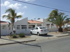 ARUBA RENTAL HOUSE exterior of house from street view