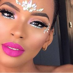 Matte lips and just the right amount of sparkle What will be your Carnival Rave Makeup, Glam Makeup, Cheer Makeup, Gothic Makeup, Make Up Looks, Carnival Makeup Caribbean, Disney Halloween Makeup, Carnival Hairstyles, Makeup Crew