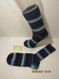 Socken Gr.39. Material: 75% Schurwolle, 25% Polyamid. Pflege: 30° Maschinenwäsche. Preis: 16€. Erhältlich auf: www.hauben-und-socken.at Material, Fashion, Hoods, Nursing Care, Moda, La Mode, Fasion, Fashion Models, Trendy Fashion