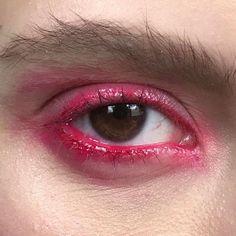 how to make makeup Pink Makeup, Beauty Makeup, Hair Makeup, Makeup Stuff, Most Beautiful Eyes, Beautiful Eye Makeup, Makeup Inspo, Makeup Inspiration, Festival Makeup