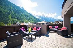 Boutique Hotel Le Morgane Chamonix-Mont-Blanc Blending the elegance of a 4-star hotel and the sporty atmosphere of Chamonix, Le Morgane offers breathtaking views of Mont Blanc, Brévent or Les Aiguilles from its en suite rooms.