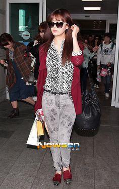 http://okpopgirls.rebzombie.com/wp-content/uploads/2013/03/SNSD-Seohyun-airport-fashion-March-11-04.jpg