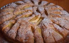 V-ați plictisit de pandișpanul cu fructe, dar aveți trei mere în casă? Prăjitura italiană cu mere! - Retete-Usoare.eu Pie, Sweets, Desserts, Food, Torte, Tailgate Desserts, Cake, Deserts, Gummi Candy