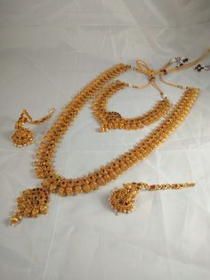 Amazing Traditional South Indian Long Necklace Set h Indian Wedding Jewelry, Bridal Jewelry, South Indian Jewellery, India Jewelry, Bridal Accessories, Gold Jewellery Design, Gold Jewelry, Necklace Set, Gold