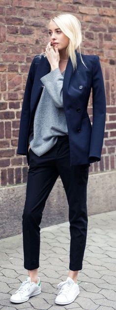 Stan Smith Adidas, la scarpa-cult del 2017! Comodissima, ma come si indossa? Ecco i 7 outfit perfetti per indossare le Stan Smith ed essere sexy e glamour!