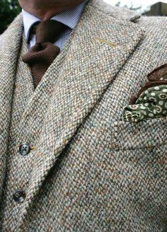 And entry in this week's Friday Challenge: Show Us Your Tweed Tweed Groom, Tweed Men, Tweed Suits, Mens Suits, Suit Fashion, Mens Fashion, Harris Tweed Jacket, Sophisticated Dress, Gentleman Style