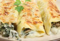 This delicious Pork, Spinach and Ricotta Cannelloni dish tastes great with either a red gravy or béchamel sauce. Pork Recipes, Gourmet Recipes, Pasta Recipes, Cooking Recipes, Healthy Recipes, Different Vegetables, Frittata, Pasta Dishes, Vegetarian