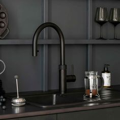 Matte black boiling Quooker tap no need for a kettle with instant boiling water filtered water & even sparkling. Black Kitchen Taps, Kitchen Sink Taps, Black Taps, Black Kitchens, Kitchen Storage, Kitchen Organization, Boiling Water Tap, Kitchen Gadgets, Kitchen Appliances
