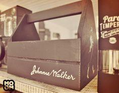 Porta Talheres Johnnie Walker Produzido por MOOMCustom Saiba mais em https://www.facebook.com/MoomCuston/